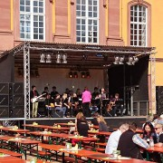 Veranstaltungen mit mobiler Bühne